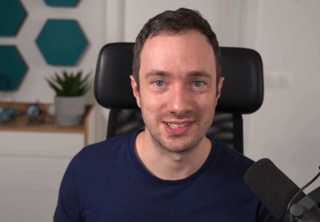 Gaël Breton, co-fondateur de Authority Hacker, est l'invité du podcast Marketing Mania